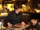 http://iishuusyoku.com/image/フラワー担当との打ち合わせ。パーティに飾るお花にもこだわりを☆
