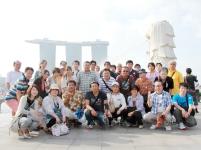 5年に1度の全社員での海外旅行。これは、シンガポールに行った時の写真になります。次はどこになるか楽しみ!