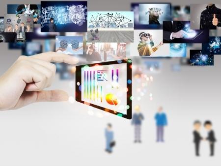 カタログアプリや販促用シュミレーター、オフィスエントランス用プロジェクションマッピング等、幅広く豊富な制作実績があります。
