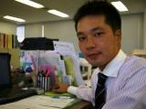 http://iishuusyoku.com/image/営業の先輩です!オフィスビルや商業施設、病院など多くの場所の環境機器を手掛けています。豊富な実績があるので、お客様からの信頼も厚く営業活動はしやすいです。