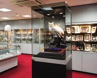 銀器業界トップメーカー。本社には世界各国の銀製品を展示したミニ博物館があります。