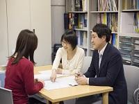 あなたがお世話になった母校にも、机やイスの提案をはじめ「学びの空間」をあなた自身でプロデュースする日が来るかもしれませんね。