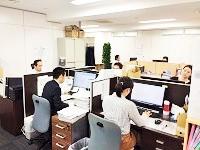 https://iishuusyoku.com/image/管理部門スタッフが揃うスペースは落ち着いた環境です。20代〜30代の女性スタッフが中心に活躍中!