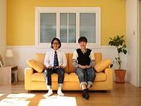 https://iishuusyoku.com/image/大切な人と隣り合い、語り合ったり。読書や映画など、ひとりの時間を深めたり。かけがえのないソファライフをコーディネートします。