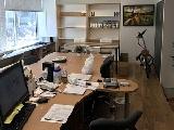 移転したてのオフィスの様子。陽当りもよく、キレイなオフィスで働けます。