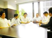 毎朝開催されるミーティング。物件の進捗状況や各部署が抱える問題点を共有していきます。