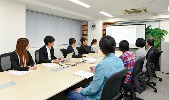 「明るい挨拶ができる」「感謝を行動で表すことができる」など、鈴木代表が今まで仕事の中で培ってきた行動基準により、社員の離職率はゼロを実現!