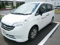https://iishuusyoku.com/image/営業の移動は車が基本!多くの施設に、医療・福祉機器の提案を行ってください!