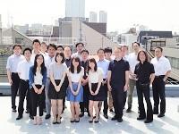 https://iishuusyoku.com/image/スタッフ同士、年齢・性別関係なくとても仲が良い会社です。社内には穏やかな方が多く、アットホームな社風が魅力です。  東京本社は駅からも近く通勤にも便利です。いい就職プラザから入社した先輩社員も多数活躍