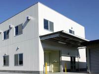 2005年には第二工場も完成しました。第二工場では消炎鎮痛剤や水虫薬などの外用製剤をクリーム剤・液剤・ゲル剤などさまざまな形で製造できる 専用設備を備えています。