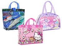 学童バッグ、キルトバッグ、巾着、プールバッグ等、大人気キャラクターのライセンス商品を多数取り扱っています。