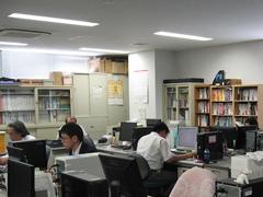 https://iishuusyoku.com/image/システム開発の現場で、厳しさはあるものの若い社員を含めて全員伸び伸びとやっています。