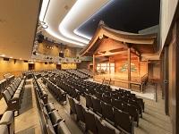 58年ぶりに全面改修を終えた「京都観世会館」の能楽堂にも同社の製品が! 有名文化施設や教育施設で形に残る喜びを一緒に味わってみませんか?