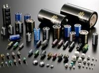 蛍光灯やテレビ、洗濯機、電気自動車etc…電気を必要とする製品の中に、コンデンサは必ず使用されています。