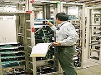 建物の中には、電話やインターネットなど様々な通信設備の配線が張り巡らされおり、それらの設置工事を手掛けます!