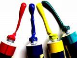 元々は油絵具の製造販売から事業を開始した同社は、色のエキスパートとして長年蓄積したノウハウを統合し、現在では広告資材の製造販売へと発展を遂げました。