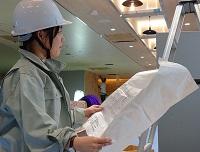 https://iishuusyoku.com/image/電車が走る近くでの工事となるため、専門知識が必要になります。工事に立ち会い、指導を行うことも重要な仕事の一つです。