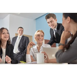 http://iishuusyoku.com/image/世の中のオフィスが快適に過ごせるのは、エアコンなどの空調があってこそ。同社がつくる「エアフィルター」は、空調があるところでは必ず使用されるほど。私たちに清浄な空気を届けてくれています。