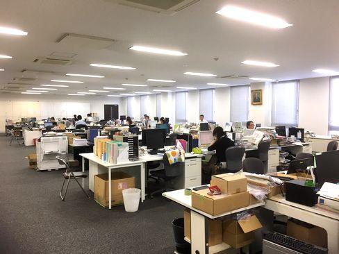 http://iishuusyoku.com/image/土日祝休みで年間休日120日以上!残業も少なく、仕事とプライベートを両立しながら無理なく働くことができます。また転勤もありませんので、関西で腰を据え長く働きたい方にもおすすめです。