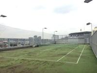 https://iishuusyoku.com/image/本社の屋上にはテニスコート、社内には食堂やシャワールームなども完備されており広々としています!