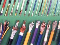 補償導線の専門メーカーとして長年にわたる製造実績と技術力で高品質な製品を生産。JIS規格はもちろん海外規格にも対応。世界のあらゆるプラントをはじめとする現場で使用されています。