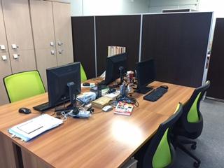https://iishuusyoku.com/image/とてもスタイリッシュなオフィス。社員同士の距離も近くわからないことはなんでも聞ける環境です!
