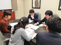https://iishuusyoku.com/image/社内研修では、最新の情報をスタッフ全員で共有。仕事を通じて多くの知識が身に付く環境です!