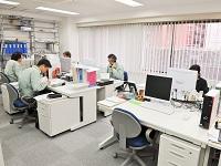 https://iishuusyoku.com/image/オフィスの様子です。新会社にはなりますが、先輩たちの平均勤続年数は16年。経験豊富なベテランが揃うアットホームな社風です。