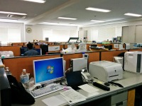 https://iishuusyoku.com/image/オフィスの様子です!綺麗で広々とした造りになっています。パソコンは1人1台支給されるため、業務へもスムーズに取り組めます。