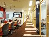 https://iishuusyoku.com/image/赤が基調の明るく清潔なオフィスはとても快適な環境です。ここでは毎日多くの学びや発見があふれています!