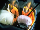 http://iishuusyoku.com/image/当社の持つシートベルトやエアバッグの先進技術は、世界中のあらゆる地域で交通事故による死傷者を減らすために役立っています。