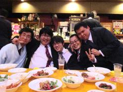 http://iishuusyoku.com/image/趣味の合う社員同士での集まりや、仕事終わりの食事会など社員のコミュニケーションが盛んでアットホームな職場です◎