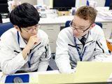 http://iishuusyoku.com/image/「役職者との距離が近いので、意思決定のスピードが速いのがいいですね。同年代も多いので、ライバル心を燃やしながら頑張っています」と海外営業。
