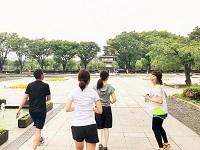 https://iishuusyoku.com/image/スポーツや文化イベント、ランチやディナーなどを社員が自主的に企画。写真は皇居ランでの一コマです!