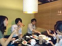 https://iishuusyoku.com/image/違う現場で働くメンバーも含めた、全社員での交流を大切にしています。懇親会は全員で盛り上がり、話が尽きません。