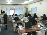 社内の雰囲気はフランクで社員同士の距離も近いです。