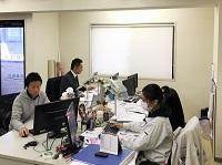 https://iishuusyoku.com/image/東京支店のメンバーは、20代・30代が中心。アットホームな支店なのですぐ馴染んでいただけるはず!