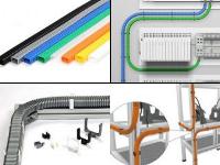 これが同社で作られている国内トップシェアの「配線ダクト」です。色、形、素材、お客様のニーズに合わせ様々なタイプを製作しています。