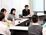 https://iishuusyoku.com/image/企業の経営戦略を左右する基幹系システムから物流業向けの業務支援システム、スマートフォン向けアプリ開発、音楽・スポーツ関連等のECサイト構築など様々なシステムの開発を行っています。