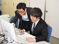 https://iishuusyoku.com/image/配属となるプロジェクトには同社の先輩社員が複数在籍。OJTで仕事を教えますので、IT未経験でも安心してくださいね。