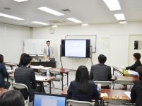 https://iishuusyoku.com/image/スクールの風景です。円滑に講座が進行していくよう準備を行っていく仕事です!