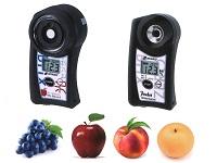 https://iishuusyoku.com/image/ぶどう、りんご、ももなどの糖度を、切ることなく、センサーを当てるだけで測定できる同社の糖度計は、数々の優秀賞を受賞しています。