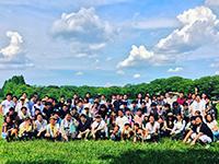 https://iishuusyoku.com/image/各エリアでBBQや大忘年会などレクリエーションがあります。成長したエンジニアの笑顔に会えるのも楽しみの一つ!