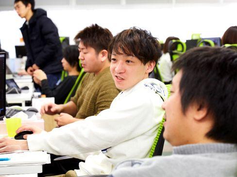 https://iishuusyoku.com/image/長く愛されるゲームアプリを継続的に提供できる関西No.1企業になる、海外市場へ積極的に展開する、ゲーム以外のITサービスを立ち上げ安定した収益基盤を作る、この3つの目標を掲げて日々活動しています。