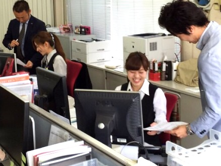 https://iishuusyoku.com/image/女性社員が活発に活躍しており、自分がデザインした商品が全国のヘアサロンで販売されるなどの魅力があります!
