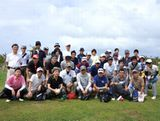 https://iishuusyoku.com/image/写真は社員親睦旅行で訪れたグアム島での様子。年齢や社歴に関係なく、みんなでゴルフなどのレジャーを楽しめるような、フランクな人間関係も自慢のひとつです。