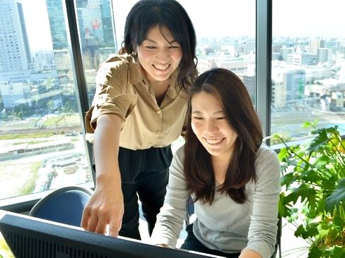 https://iishuusyoku.com/image/営業部門の方はスーツですが、今回募集の事務部門では私服勤務もOK☆