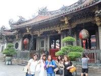 https://iishuusyoku.com/image/2年に1回全社員で旅行に出かけます。直近では韓国、台湾!旅行を通じて社員の意志結束を深めています!