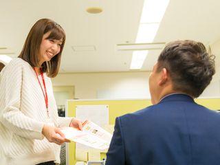https://iishuusyoku.com/image/平均年齢は33.8歳、男女比はおよそ半分、若手が中心となって活躍していますので、明るくて活気のあるアットホームな社風も魅力のひとつです!
