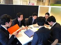 https://iishuusyoku.com/image/既卒・第二新卒の方にも充実の入社時研修を用意しています。チームでシステム開発のロープレも行います!